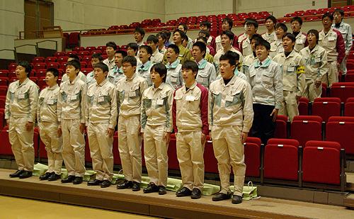 当社からも4月1日に入社した高校卒社員6名が開講式に出席