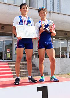 男子ダブルスカルで3連覇を果たした別府選手と越智選手